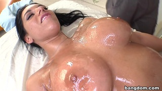 Bella reese gets twisted