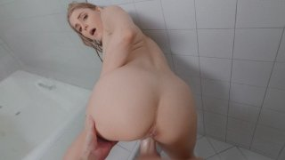 Nikki Peach gets fucked standing in the shower